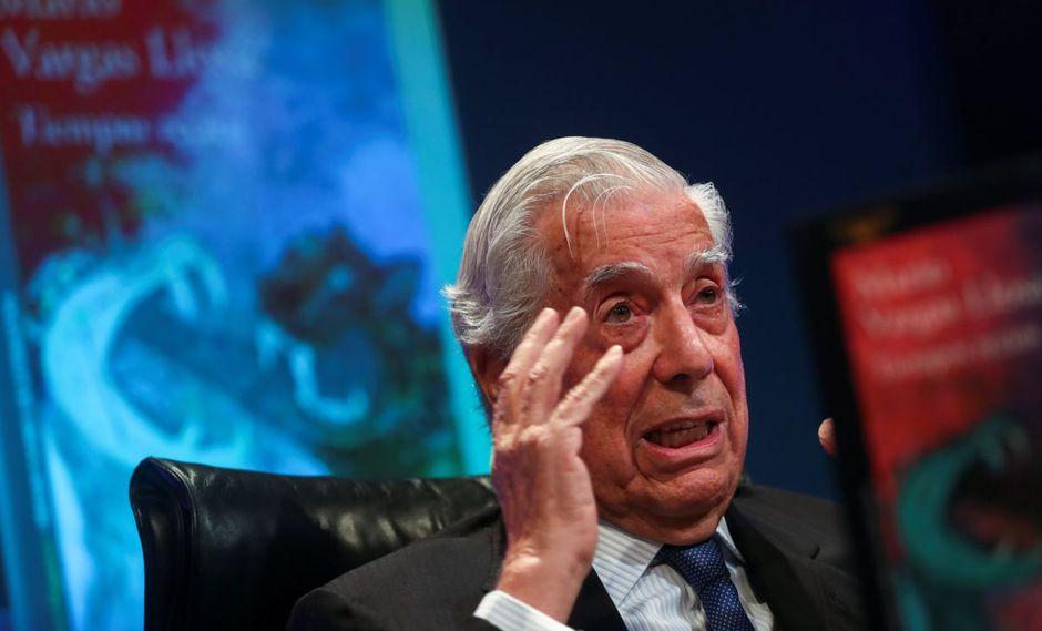 """Mario Vargas Llosa presentó su libro """"Tiempos recios"""" en la Casa de America de Madrid, España, (Foto: Reuters)"""