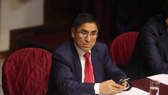 El ex juez supremo César Hinostroza podrá ser enjuiciado en el Perú solo por tres delitos: patrocinio ilegal, tráfico de influencias y negociación incompatible. (Foto: Agencias)