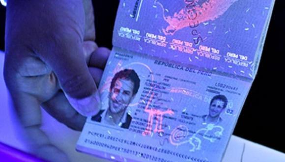 Aunque la cita para la obtención del e-pasaporte se puede hacer virtualmente, el trámite sigue siendo presencial, obligatoriamente. (Foto: Migraciones)
