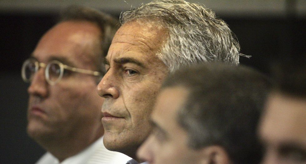 Jeffrey Epstein en una imagen del 30 de julio del 2008 en West Palm Beach, Florida, cuando fue detenido por abuso sexual. (AP).