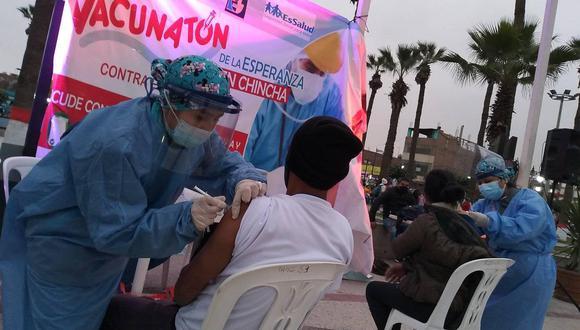 """Reportan presencia """"masiva"""" de limeños en Chincha para vacunarse con dosis del laboratorio Pfizer. (Foto: Hospital San José de Chincha)"""