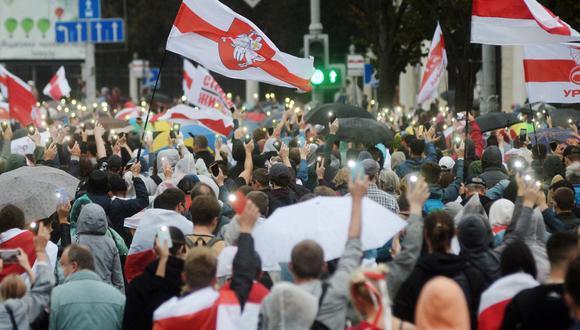 Imagen referencial. Ciudadanos se manifiestan contra los resultados de las elecciones presidenciales en Minsk, Bielorrusia, el 27 de setiembre de 2020. (EFE/EPA/STR).