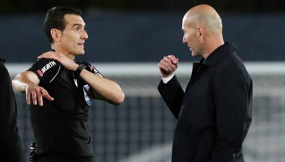 """Zinedine Zidane tras empate con Sevilla: """"el árbitro no me ha convencido en nada de lo que me ha dicho"""". (Foto: EFE)"""
