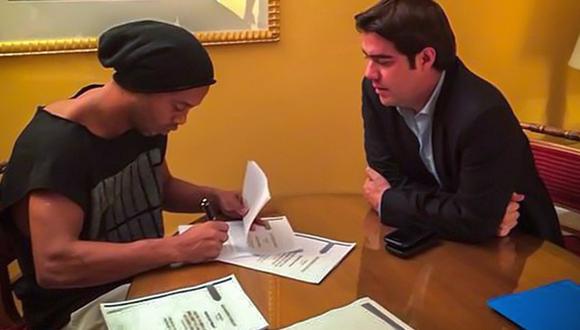 ¿Cuánto ganará Ronaldinho en los Gallos Blancos de Querétaro?