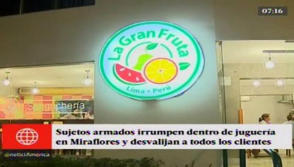 Miraflores: sujetos armados asaltaron a clientes de juguería