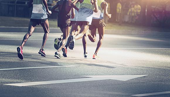 Tú también puedes ser como estos corredores que participan en el último desafío del año.