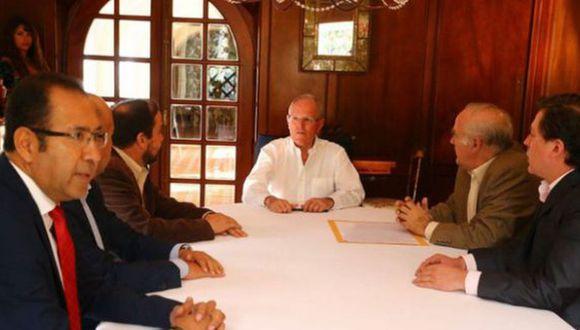 """""""Esta bancada nos ha apoyado en temas como el presupuesto. Ha sido una conversación muy buena"""", dijo PPK sobre su reunión con miembros de Acción Popular. (Foto: Andina)"""