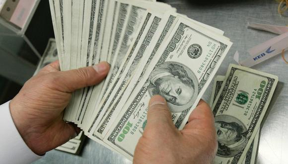 El billete verde operaba con un retroceso del 0,12%. (Foto: Reuters)