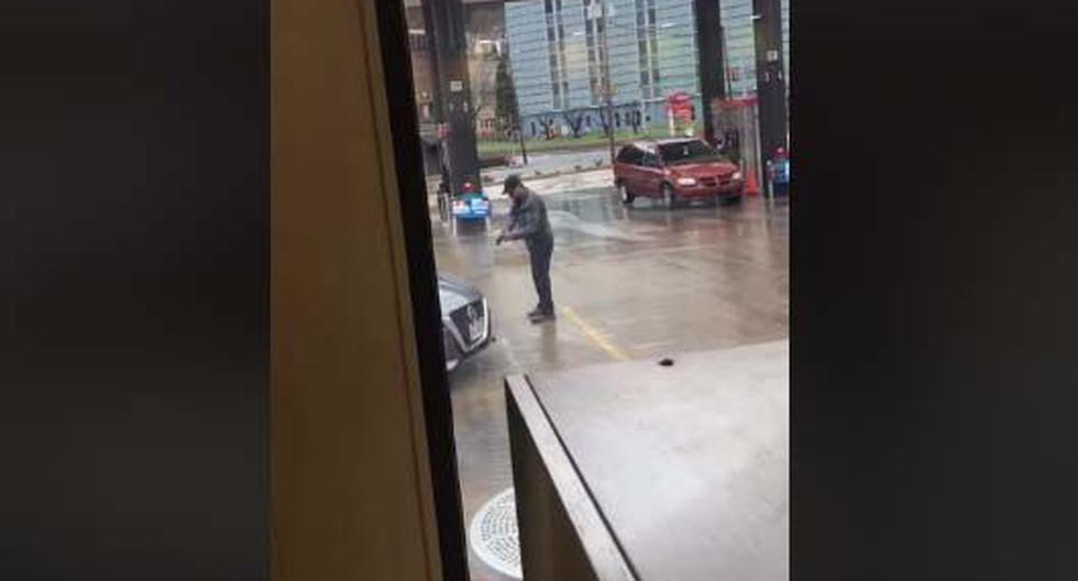 Guillermo Alvarez, de 56 años, se disponía a entrar al negocio cuando el sujeto del auto le reclamó haber tosido sin cubrirse la boca. (Foto: Caputar Facebook)