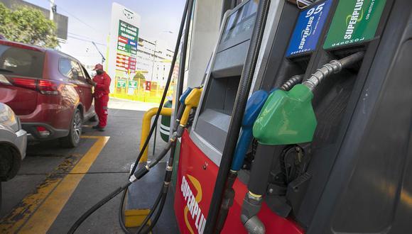 Los precios de los combustibles varían en el mercado local. (Foto: Eduardo Cavero / GEC)