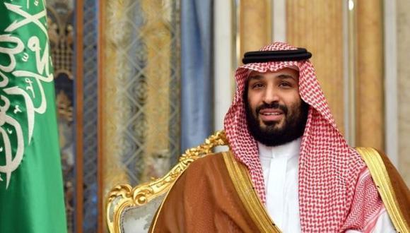 """Mohammed bin Salman, príncipe heredero de Arabia Saudita, dice que una guerra con Irán puede aumentar """"inimaginablemente"""" el precio del petróleo . (Reuters)."""