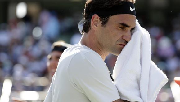 El suizo Roger Federer tuvo un sorpresivo debut y cayó ante el australiano Thanasi Kokkinakis en el Masters 1000, con parciales 6-3, 3-6, 6-7. (Foto: AP)