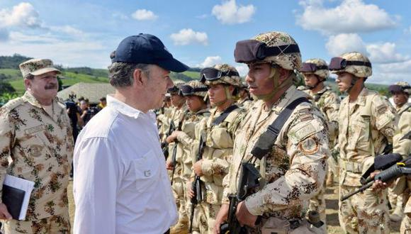 Santos se reúne con las FARC para acelerar dejación de armas
