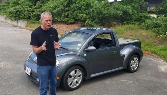 El Volkswagen Beetle cambió rotundamente su imagen con este kit de carrocería. (Foto: YouTube).