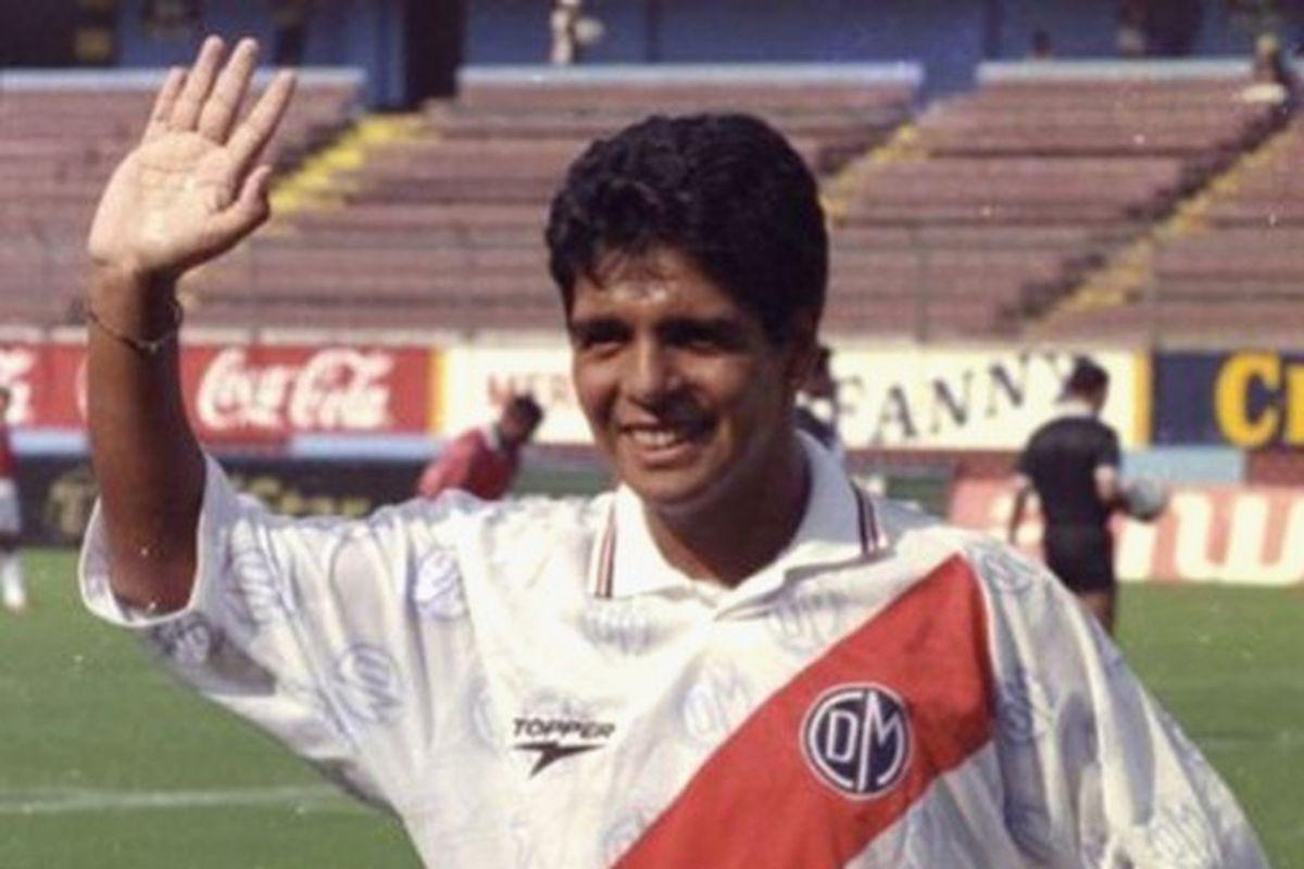 """Lalo Maradona, el '10' que jugaba """"casi como Diego"""" pero ..."""