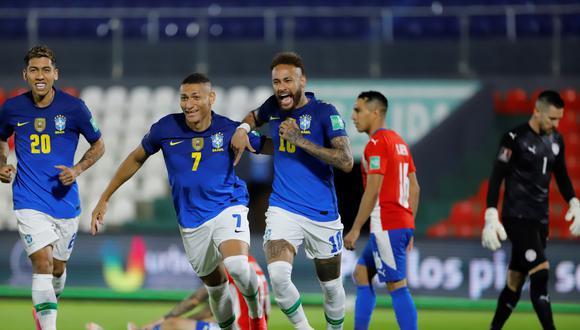 Neymar anotó el primero ante Paraguay y se convirtió en el goleador de las Eliminatorias Qatar 2022, junto al boliviano Marcelo Martins. (Foto: EFE)