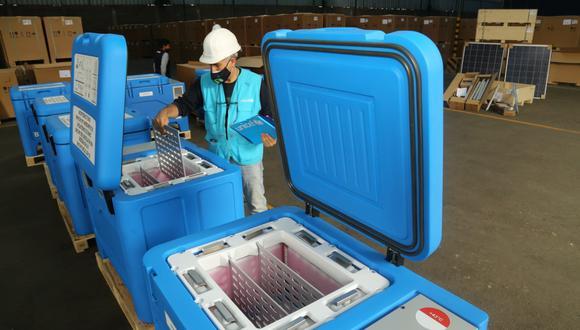 Los congeladores solares fueron llevados al almacén del Centro Nacional de Abastecimiento de Recursos Estratégicos en Salud (Cenares). (Foto: Unicef)