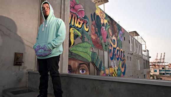 """Arold Díaz Yovera (25) dejó la calle para dedicarse a la música en el proyecto D'Klle CreW. """"Si no lo hubiera hecho, probablemente hoy estaría muerto"""", dice."""