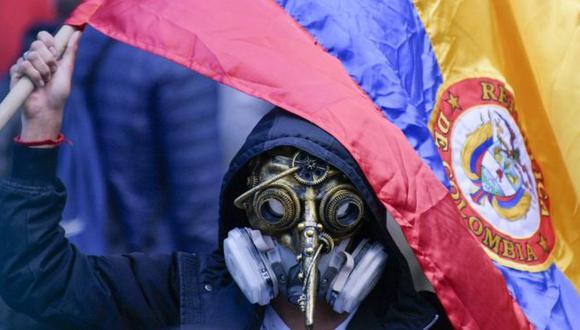 Desde hace semanas las protestas, algunas de ellas violentas, han tomado las calles de América Latina. Foto: Getty images, vía BBC Mundo