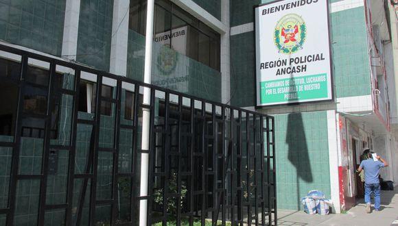 De acuerdo con las investigaciones preliminares, el policía Jhordano Morales habría disparado de manera accidental a su compañero de habitación en la División de Investigación Criminal de Huaraz. (Foto: Laura Urbina).