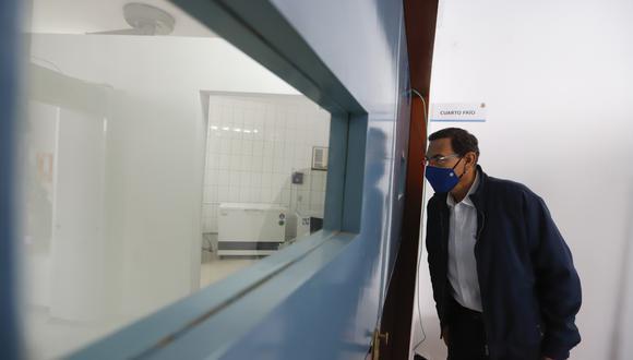Presidente  Vizcarra verificando el desarrollo de los ensayos clínicos de la fase 3 de la vacuna contra el covid-19 del laboratorio Sinopharm de China en la UNMSM. (Foto: Presidencia)