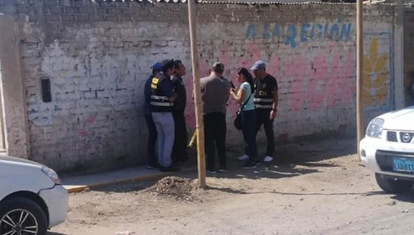 Agentes Anticorrupción arrestaron al agente Alexander Pinto en el pueblo joven El Porvenir, en Chimbote. El custodio ahora es investigado por la Inspectoría de la PNP. (Foto: PNP)