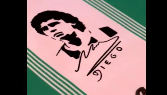 Banfield jugará este sábado con el rostro de Diego Maradona estampado en su camiseta   Foto: Captura