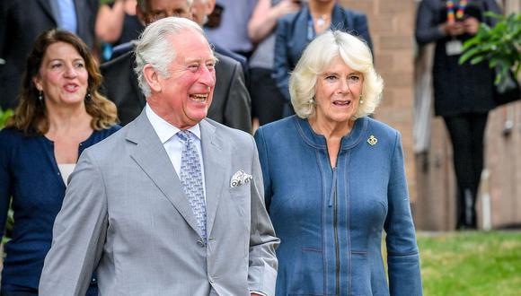 El príncipe Carlos, heredero de la corona británica, y su mujer, Camilla, duquesa de Cornualle. (Foto: AFP).