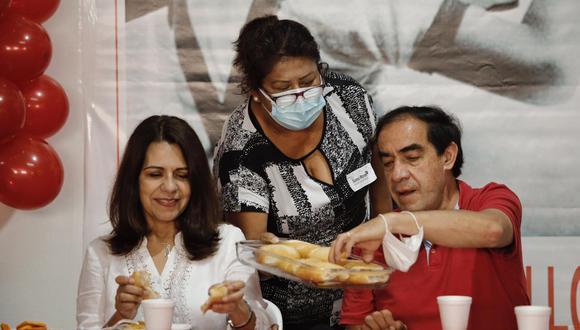 Yonhy Lescano participa de desayuno electoral en Villa María del Triunfo. (Foto: Joel Alonzo/ GEC)