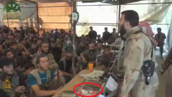 """Rebelde sirio y su libreta de """"Hello Kitty"""" impactan en la web"""