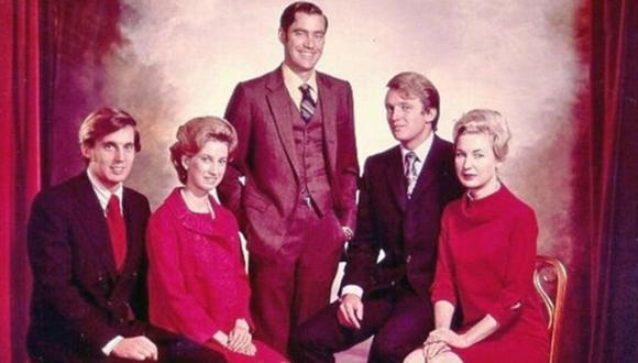 Foto sin fecha de los hermanos Trump. De izquierda a derecha: Robert, Elizabeth, Fred, Donald y Maryanne. (Campaña de Trump).