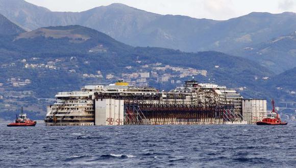 El Costa Concordia terminó su travesía al llegar a Génova