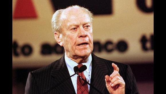 EE.UU. Gerald Ford asumió la presidencia el 9 de agosto de 1974 al dimitir Richard Nixon tras el escándalo de Watergate. Su mandato duro dos años y medio.