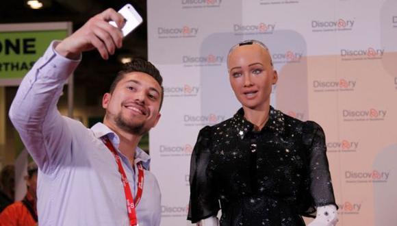 El robot humanoide Sofía participa en conferencias y ha recibido la ciudadanía de Arabia Saudita. (Foto: Getty Images)