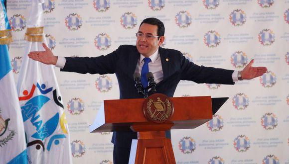 Esta medida se da luego de que el mandatario guatemalteco intentara expulsar  a un alto comisionado anticorrupción de la ONU. (Foto: AFP)