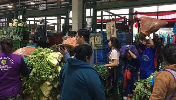 Mercados lucen abarrotados antes de orden de inamovilidad (Fotos:  Empresa Municipal de Mercados)