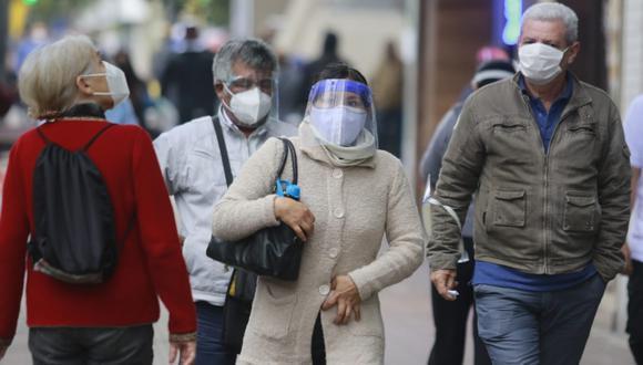 Coronavirus: Pese a que las cifras de muertes y contagios han disminuido en nuestro país, especialistas afirman que no debemos bajar la guardia. (Foto: GEC)