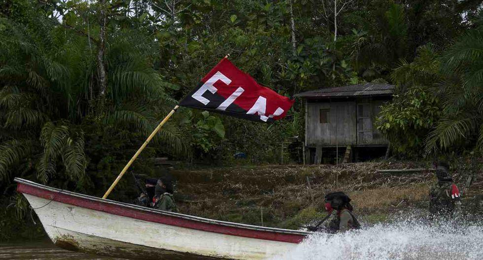 Los recién incorporados al ELN entrenan en esta selva de ríos caudalosos. (Foto: AFP)