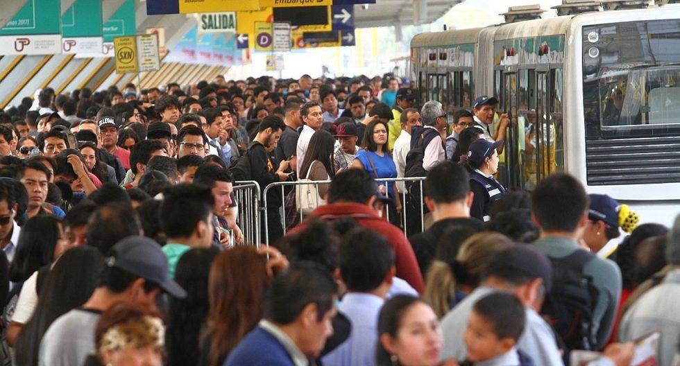 El servicio Súper Expreso de Comas busca aliviar la aglomeración de pasajeros en la estación Naranjal del Metropolitano. (Foto: GEC)