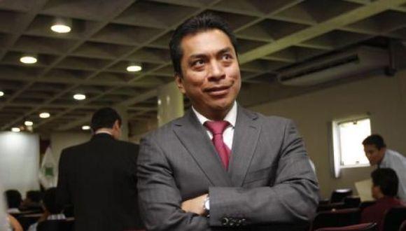 Manuel Cipriano fue director del Osiptel y ahora trabaja como abogado en el Estudio Torres y Torres Lara.