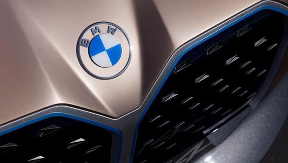 Así luce el nuevo logo de BMW en el  Concept i4, automóvil eléctrico dirigido a Tesla. (Foto: BMW)