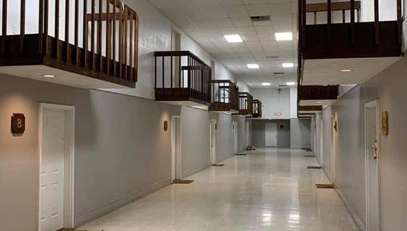 La TikToker calificó como muy extraños estos departamentos que cuentan con un balcón interno en el pasadizo (Foto: Facebook / Things that are not aesthetic)