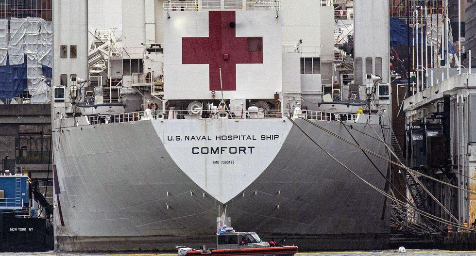 El buque hospital USNS Comfort que llegó a Nueva York para atender a pacientes de coronavirus. (AFP/Kena Betancur).