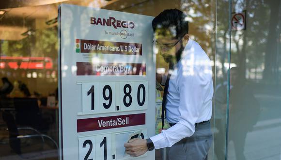 El precio del dólar se cotizaba en 21,0458 pesos en México este miércoles. (Foto: AFP)