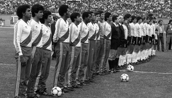 Formación de la selección peruana la tarde del 23 de junio de 1985 contra Argentina por las Eliminatorias a México 86. (Foto: Archivo Histórico El Comercio)