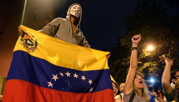 Sepa aquí a cuánto se cotiza el dólar en Venezuela este 24 de enero de 2021. (Foto: AFP)