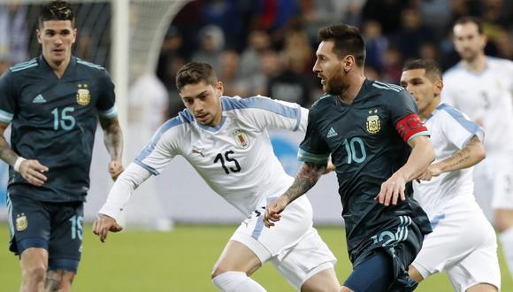 Argentina vs. Uruguay EN VIVO vía TyC Sports: transmisión internacional cometió tremendo error con los nombres de los futbolistas. (Foto: AFP)