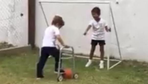 El video circula en cientos de cuentas de Facebook de usuarios en Argentina.