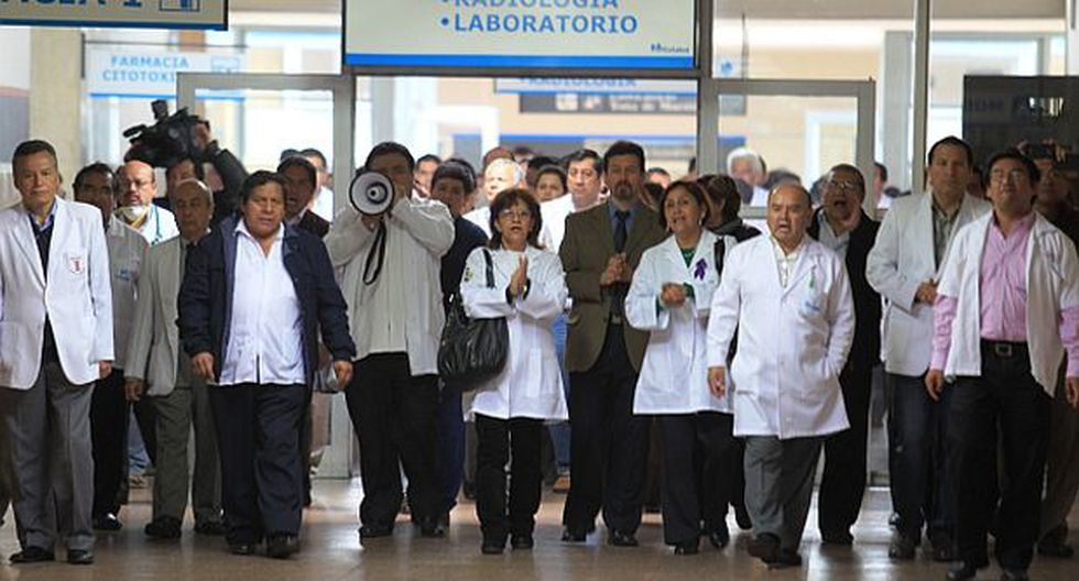 Huelga médica: FMP defiende pedido de sueldo por cumpleaños