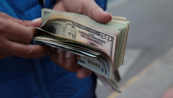 En el mercado paralelo o casas de cambio de Lima, el tipo de cambio se cotizaba a S/3,590 la compra y S/3,610 la venta. (Foto: Lucero del Castillo | GEC)